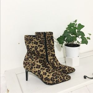 New / leopard stretchy boots